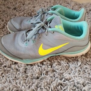 Nike flex trainers